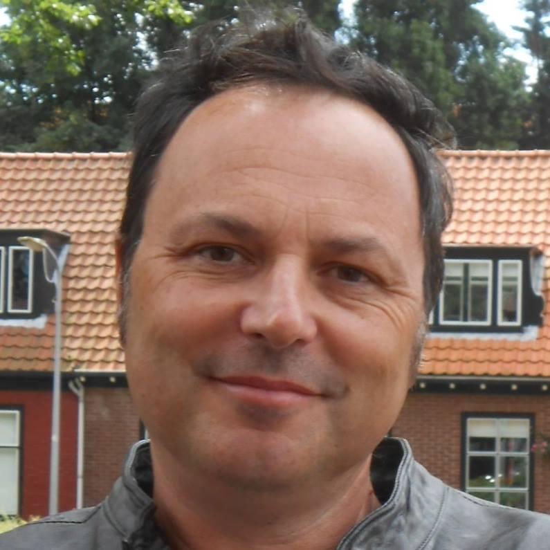 Beppe Enrici – Graphics & Web Designer