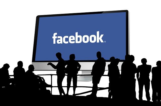 Fanpage di Facebook vs Sito web
